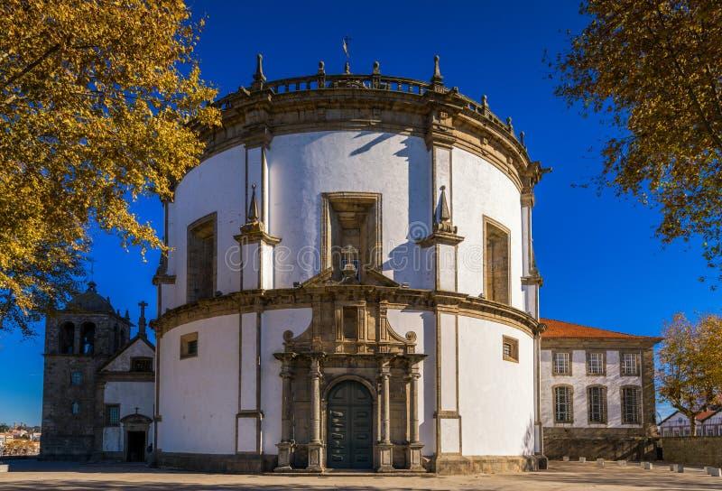 Kloster da Serra gör Pilar i Vila Nova de Gaia, Porto, Portuga fotografering för bildbyråer