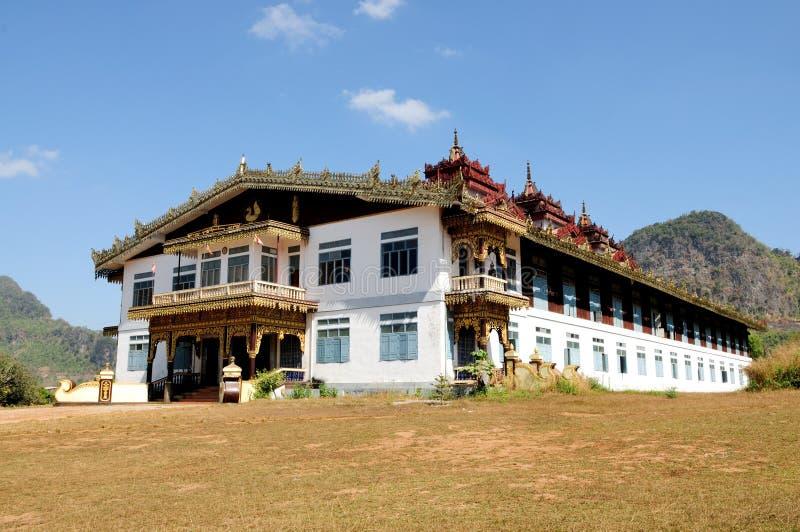 Kloster för Tai Ta Ya arkivfoto