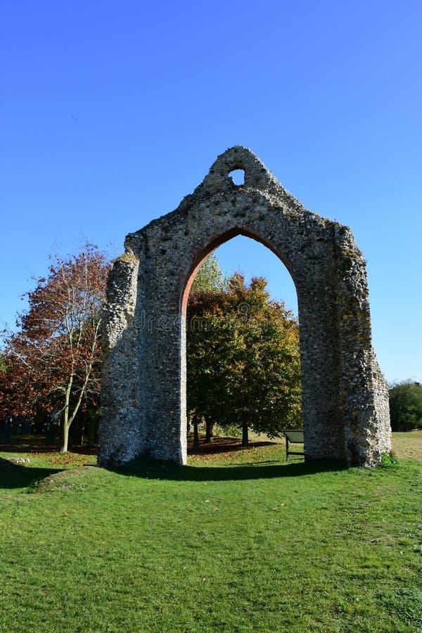 Kloster fördärvar, den Wymondham abbotskloster, Norfolk, England royaltyfri bild