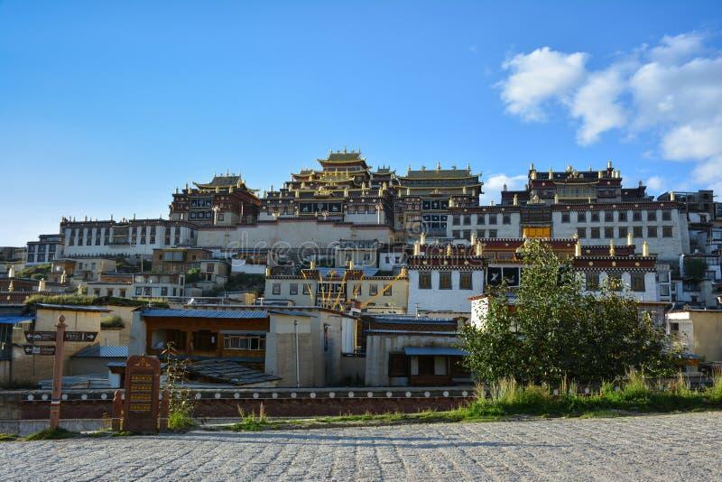 Kloster Ganden Sumtseling im Kreis Shangri-La, China stockfotografie