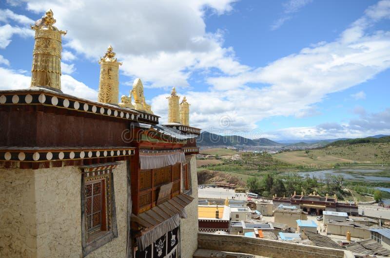 Kloster Ganden Sumtseling in Shangrila, China lizenzfreie stockbilder