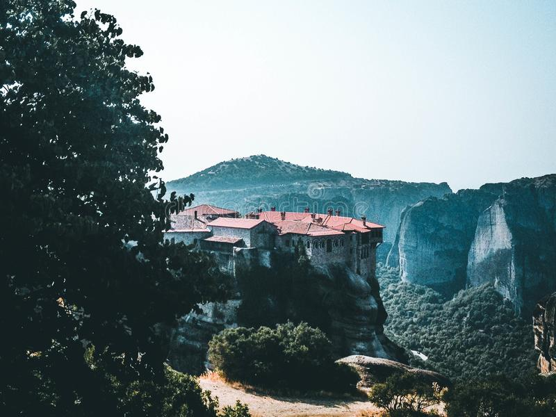 Kloster i bergen fotografering för bildbyråer