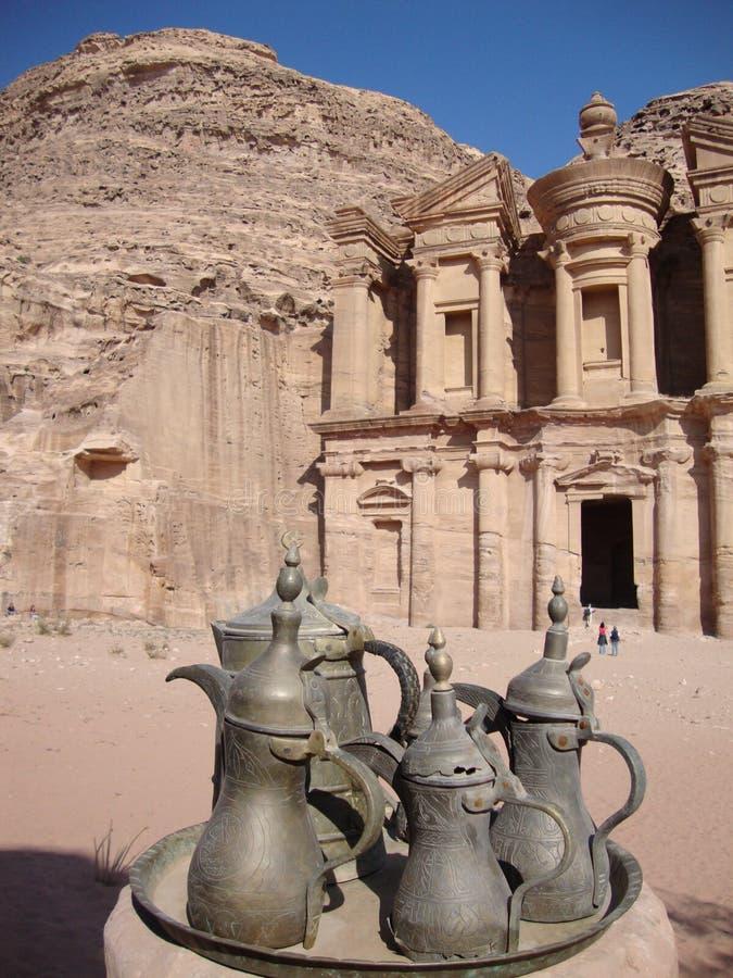 Kloster i Petra Jordan arkivfoto