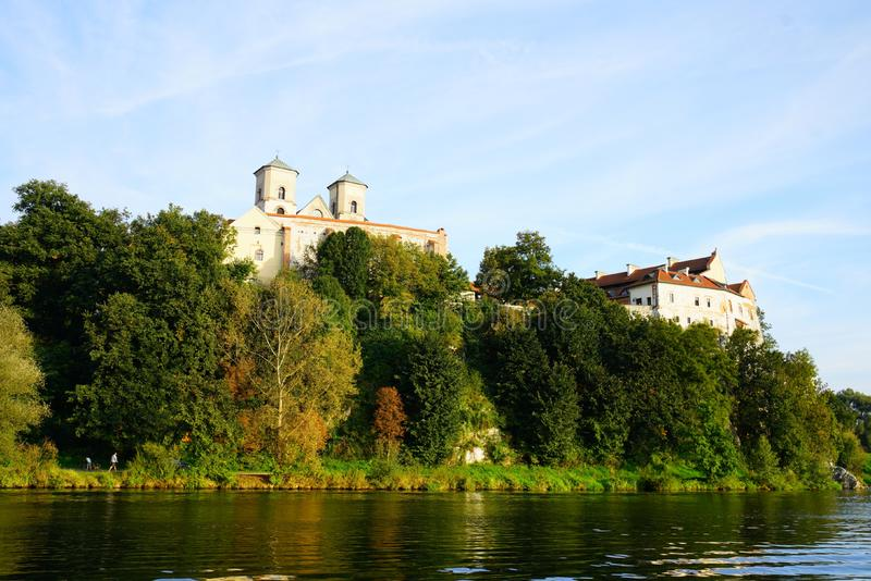 Kloster i Tyniec nära Crakow royaltyfria foton