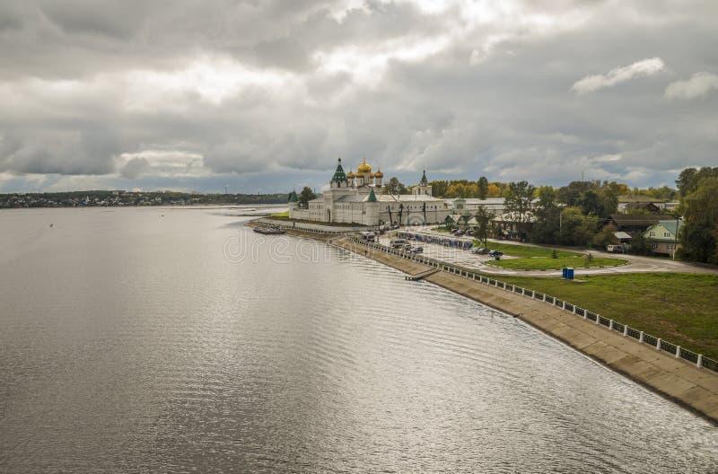 Kloster Ipatiev för helig Treenighet royaltyfri fotografi