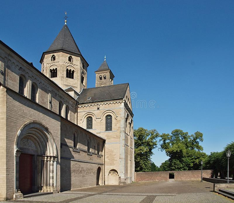 Kloster Kloster Knechtsteden in Deutschland lizenzfreie stockbilder