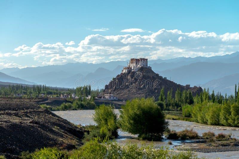Download Kloster Leh Ladakh Indien Augusti 2017 Arkivfoto - Bild av flagga, bön: 106829266
