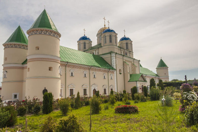 Kloster in Ostroh - Ukraine. lizenzfreie stockfotos