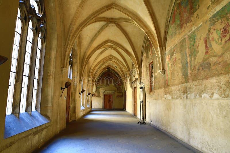 Kloster på Slovany (Emmaus), gamla hus, Prague, Tjeckien royaltyfri fotografi