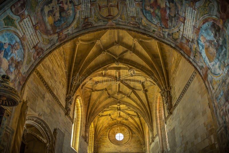 Kloster Templar i Portugal royaltyfri bild