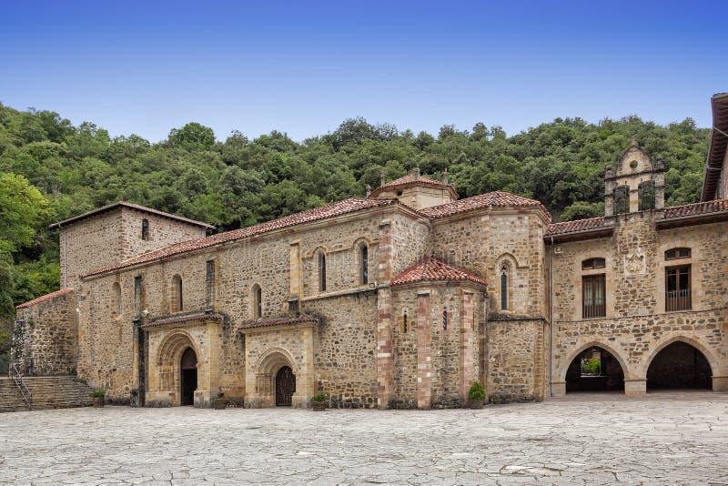 Kloster von Santo Toribio de Liébana lizenzfreie stockbilder