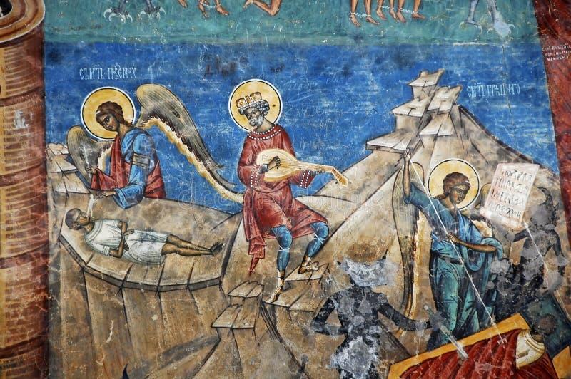 Kloster Voronet. Detaljer av målade yttre väggar. arkivfoto