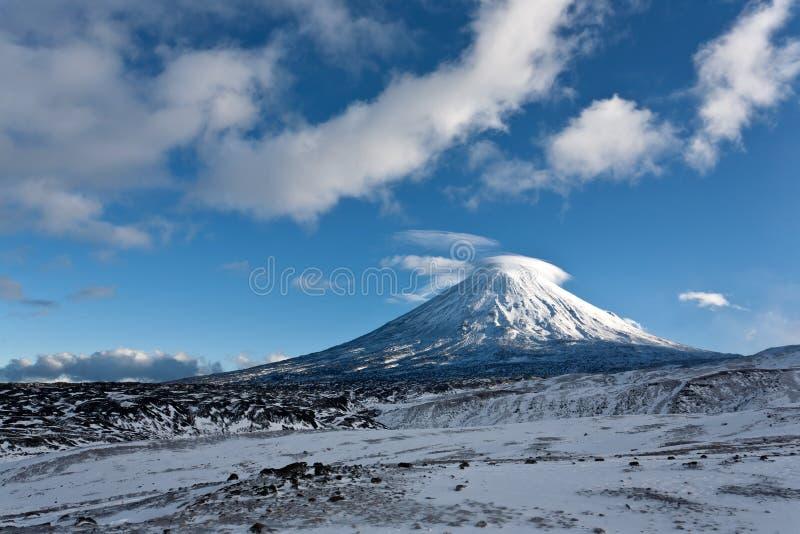 Kluchevskaya火山在堪察加地区,俄国。 库存图片