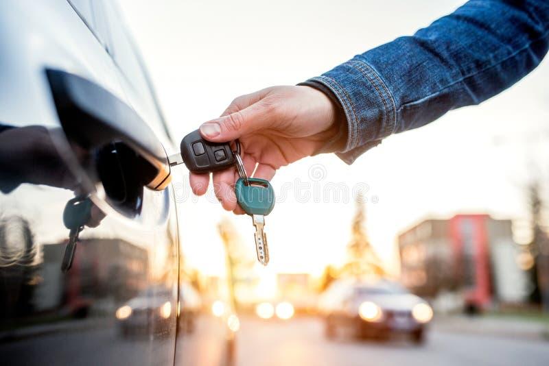 kluczowa samochód kobieta fotografia stock