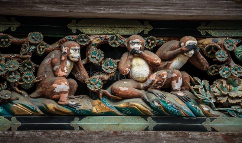 3 kluge Affen hölzerne Carvings, Toshogu-Schrein, Präfektur Tochigi, Japan lizenzfreie stockbilder