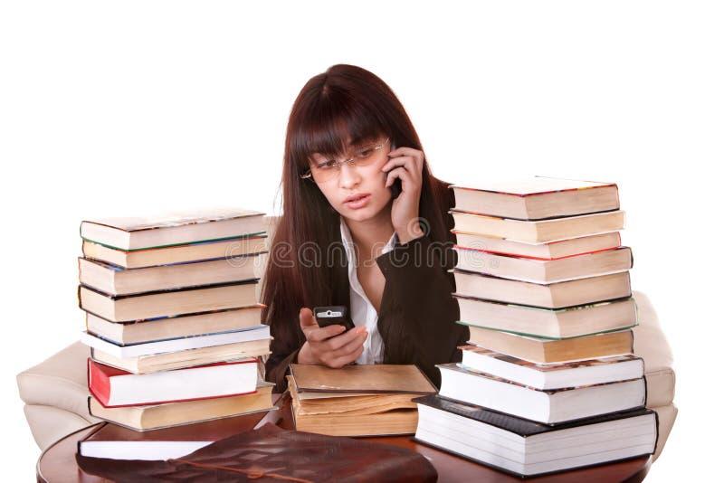 Kluges Mädchen mit Gruppenbuch. stockfotografie