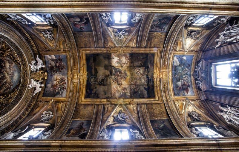 Kluis van Gesà ¹ e Maria Church, Jesus en Mary Mooie oude vensters in Rome (Italië) stock foto's