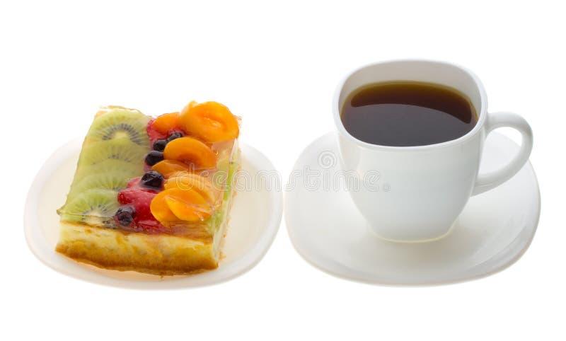 Klumpenkuchen mit Früchten und Kaffee lizenzfreie stockfotografie