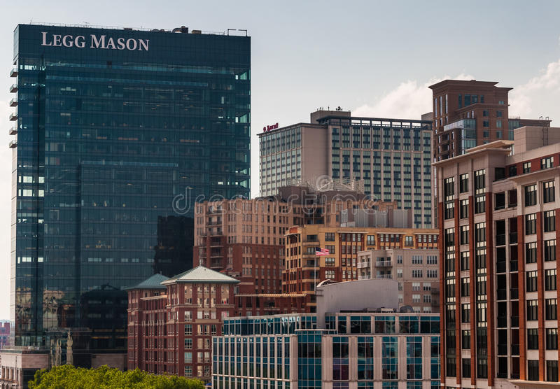 Klunga av highrises i Baltimore, Maryland arkivbild