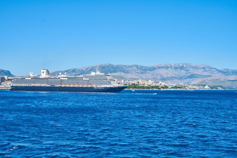 Kluven hamn och marina royaltyfria bilder