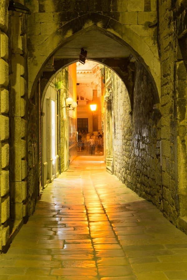 Kluvna gator royaltyfri foto