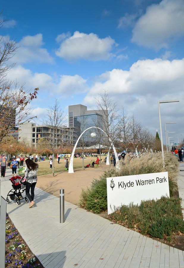 Klyde沃伦公园在达拉斯 免版税库存图片