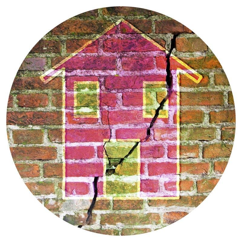 Knäckt gammal och åldrig tegelstenvägg med ett kulört hus som dras på det - den runda symbolsbegreppsbilden - fotografi i en cirk arkivbild