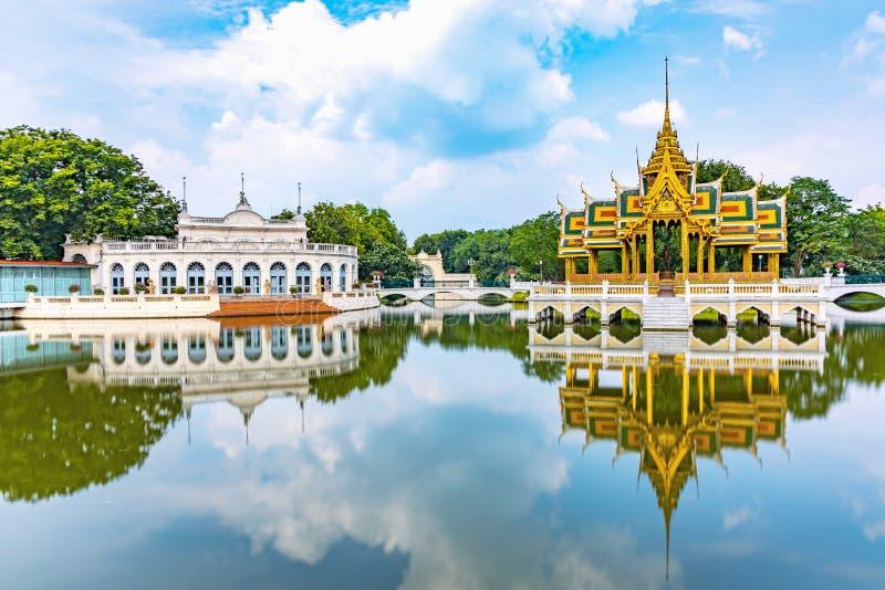 Knall-Schmerz-Palast ist ein alter Palast seit dem Ayutthaya-Zeitraum lizenzfreies stockbild