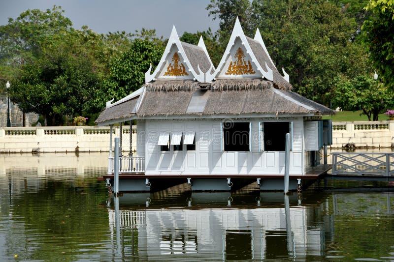 Knall-Schmerz, Thailand: Royal Palace-Boots-Haus Stockfoto
