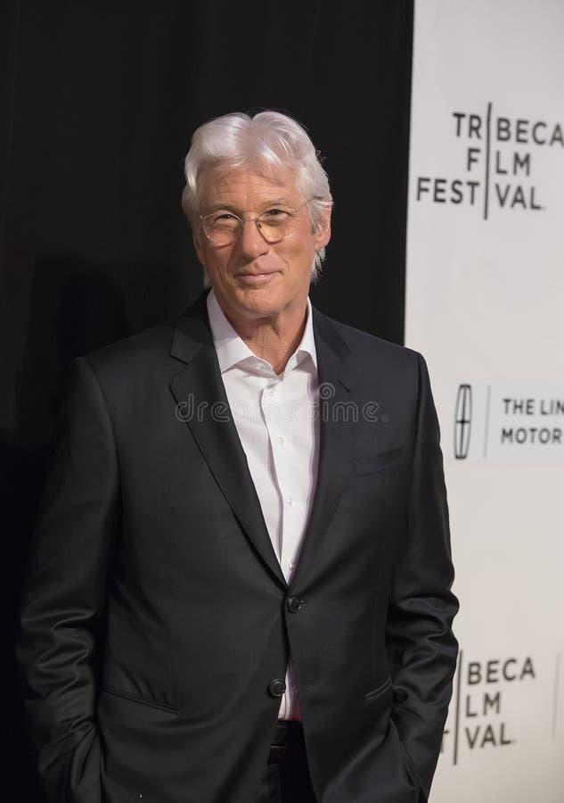 Knap Richard Gere Arrives bij de Première van het de Filmfestival van Tribeca van 2017 van ` het Diner ` stock afbeeldingen