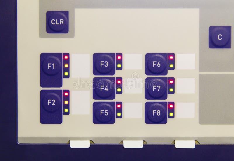Knappar på kontrollbordet av apparaten för elektronisk kontroll royaltyfri bild