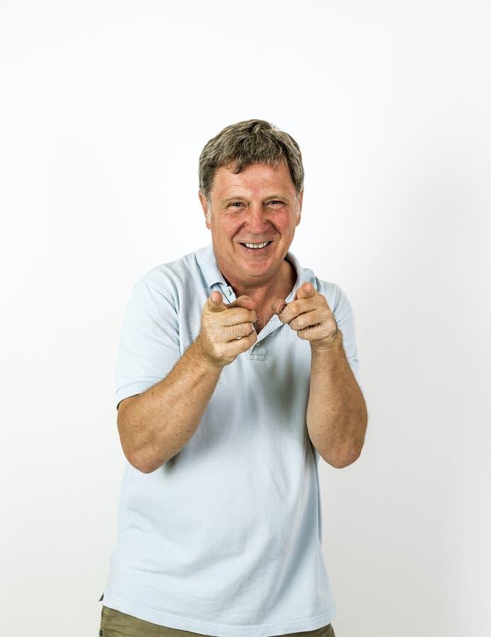 Knappe glimlachende mens in het blauwe overhemd van het vrije tijdspolo royalty-vrije stock afbeelding