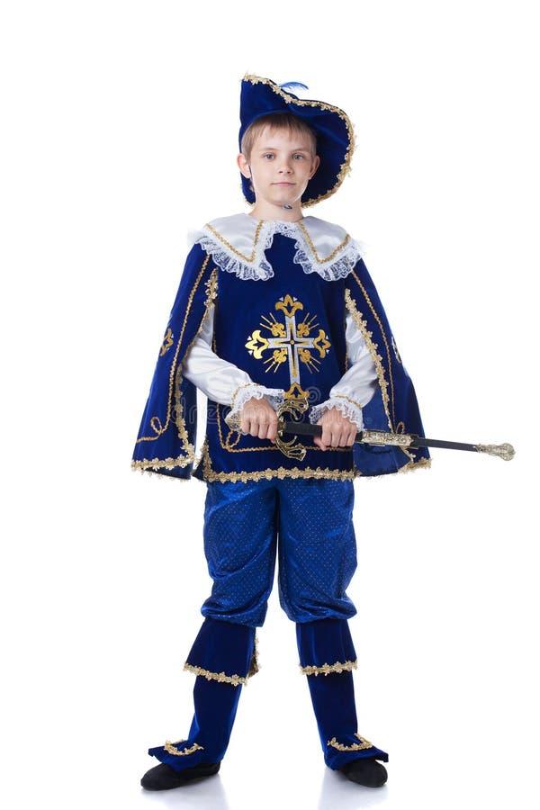 Knappe jonge die musketier, op wit wordt geïsoleerd royalty-vrije stock foto's