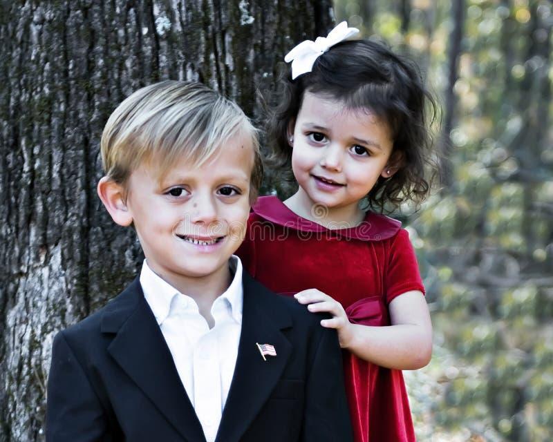 Knappe Jongen en Mooi Meisje royalty-vrije stock foto