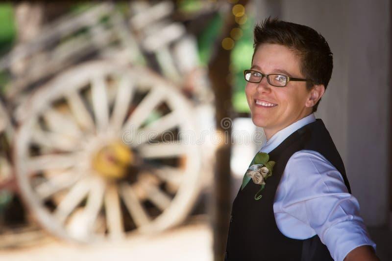 Leuke Lesbische Bruidegom stock afbeeldingen