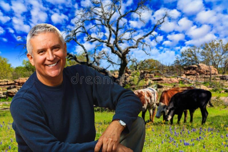 Knappe mens in openlucht royalty-vrije stock foto