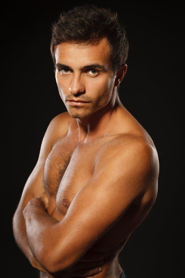 Knappe spier shirtless mens royalty-vrije stock foto's