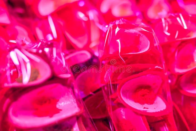 Knapperige pannekoek Thaise snack in plastic zakken stock afbeeldingen