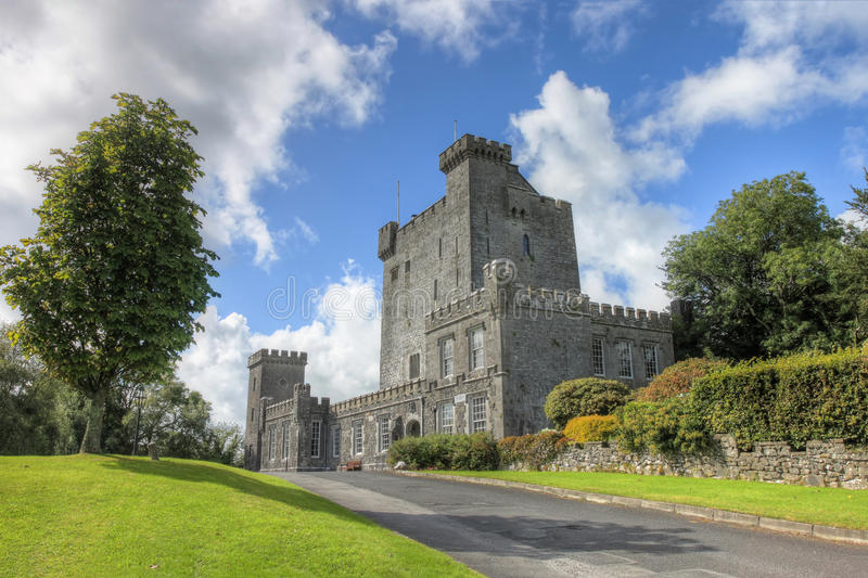 Download The Knappogue Castle In Co. Clare, Ireland. Royalty Free Stock Images - Image: 20952729
