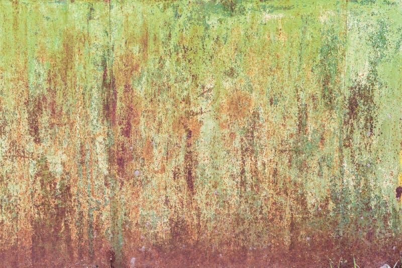 Knastra av målarfärg på en metallbakgrund royaltyfria foton