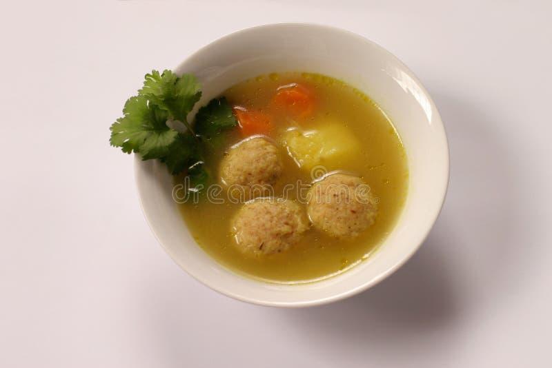 Kneidel Suppe lizenzfreie stockfotos