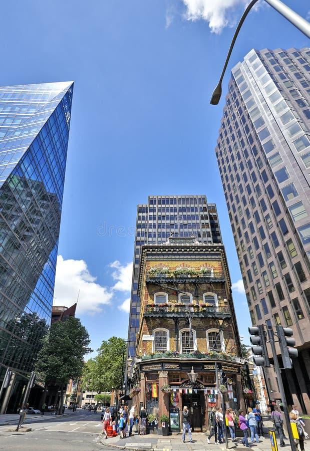 Kneipe - der Albert in London auf Victoria-Straße stockfotos