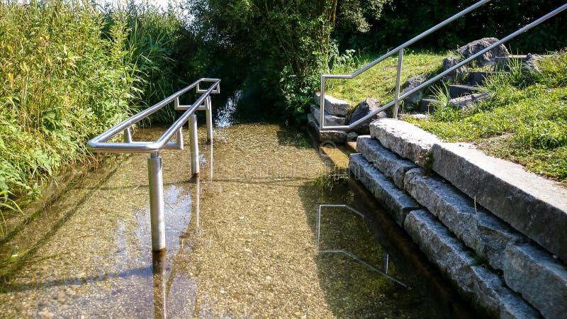 Kneipp hydroterapia dla wodny deptać obrazy stock
