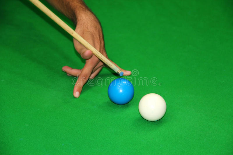 knepig skjuten snooker royaltyfri foto