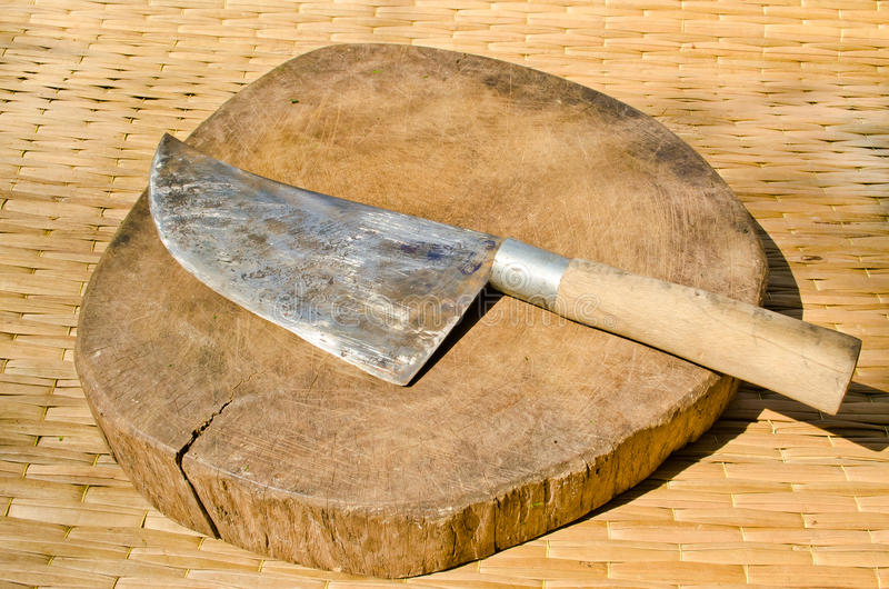 Download Knife And Chopping Block. Royalty Free Stock Photography - Image: 22992217
