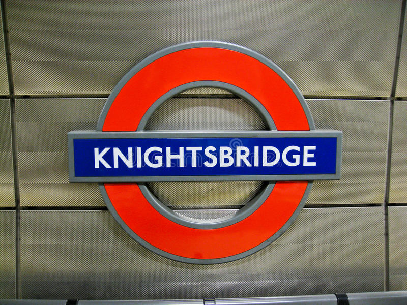 knightsbridge伦敦地下符号岗位 图库摄影