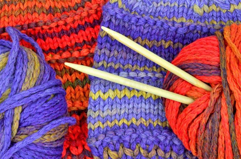 Knit und Wolle lizenzfreie stockbilder