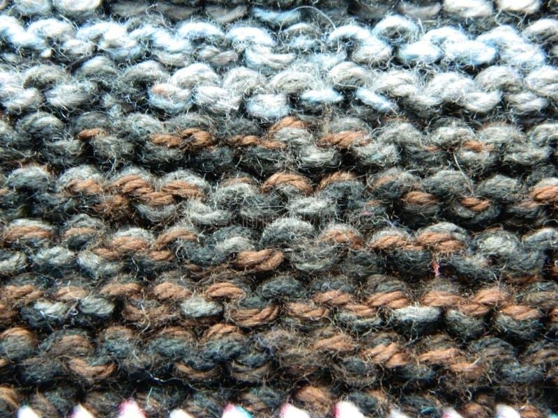 Knitted que faz malha com agulhas de confecção de malhas Ponto de liga foto de stock
