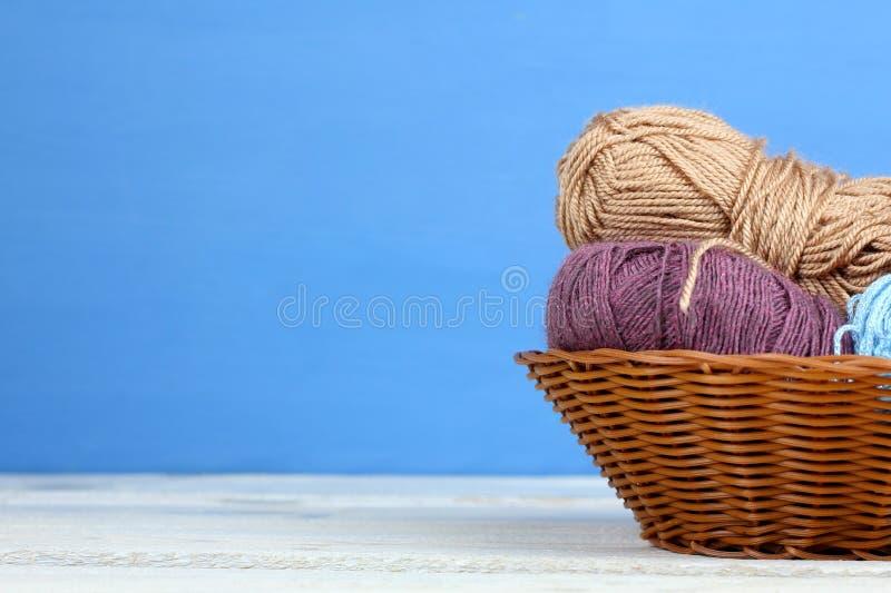 Download Knitting imagen de archivo. Imagen de handmade, clew - 64208417