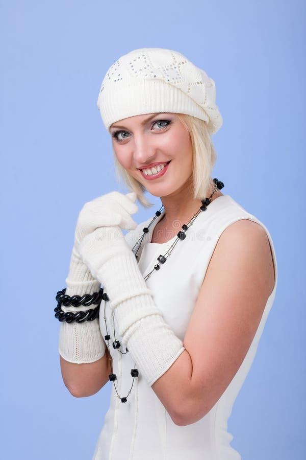 knitwear för vinterkvinna för lock slitage barn royaltyfria bilder